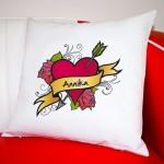 Für Kuschlige: Traumhaftens Kissen für Verliebte zum Valentinstag