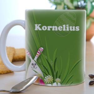 Gefüllt mit süßen Leckereien ist diese Tasse das ideale Ostergeschenk!